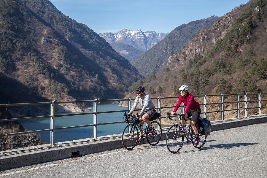 Cicloturismo, sostenuti investimenti per oltre 4 milioni di euro in provincia di Brescia