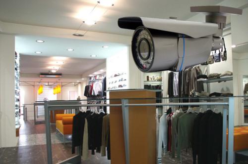 Commercio, a Brescia oltre 750 mila di euro per la sicurezza nei negozi